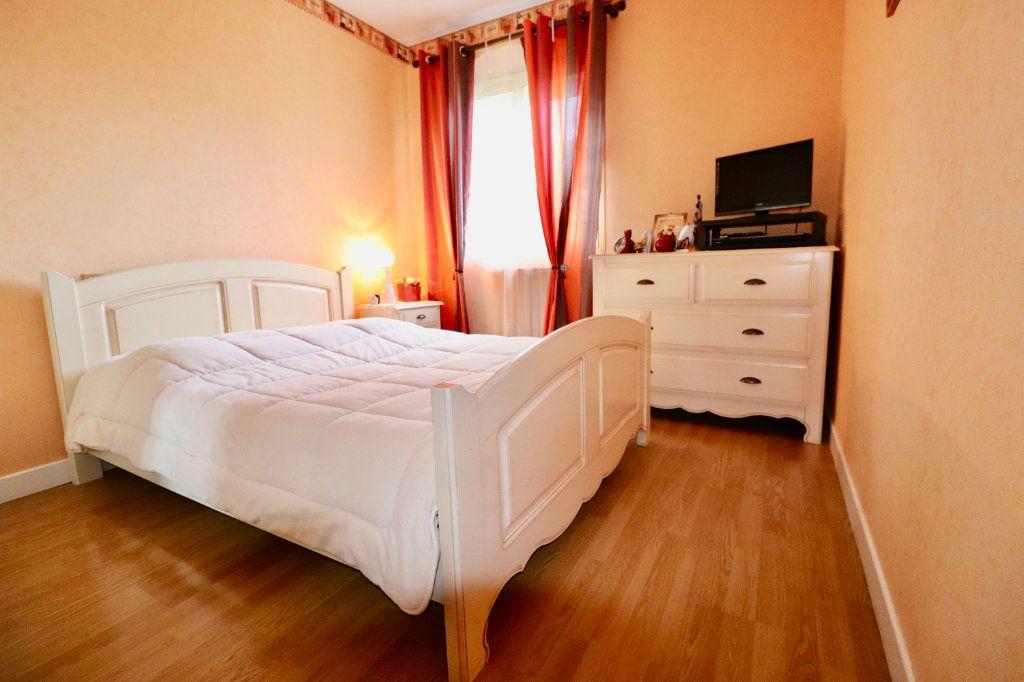 Maison à vendre 5 136.48m2 à Saint-Denis-lès-Rebais vignette-7