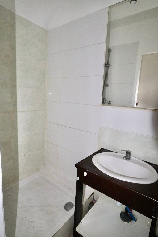 Appartement à vendre 2 33.1m2 à Boissy-le-Châtel vignette-4
