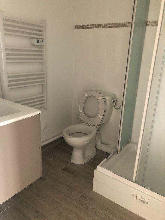 Appartement à louer 1 23.56m2 à Coulommiers vignette-3