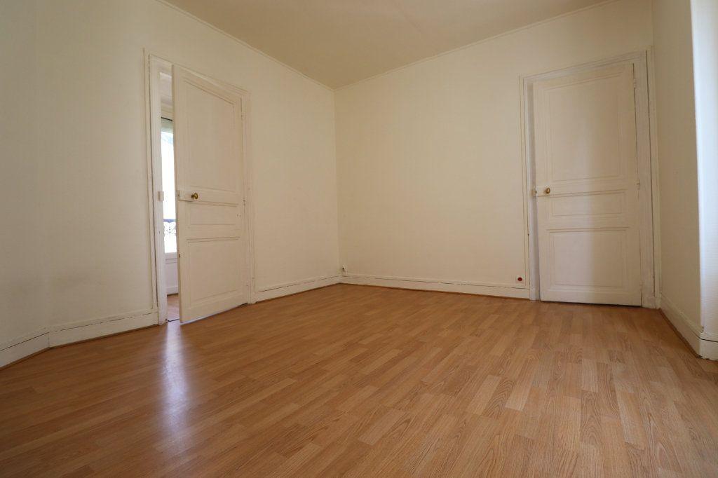 Appartement à louer 2 44.8m2 à Coulommiers vignette-3