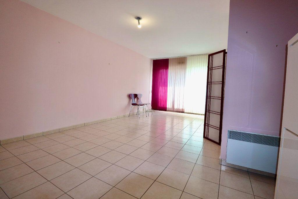 Appartement à vendre 3 70.05m2 à Coulommiers vignette-3