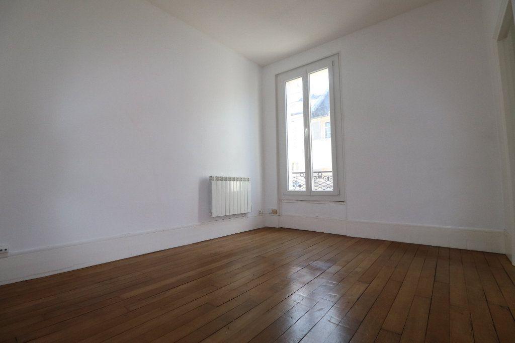 Appartement à louer 5 69.04m2 à Coulommiers vignette-2