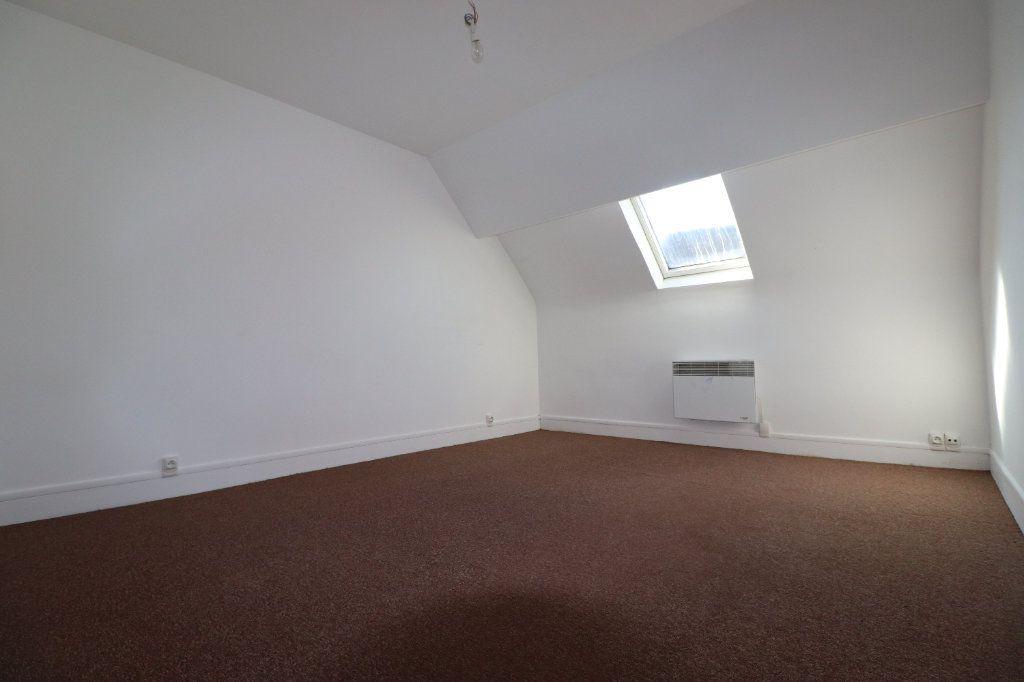 Appartement à louer 5 69.04m2 à Coulommiers vignette-4