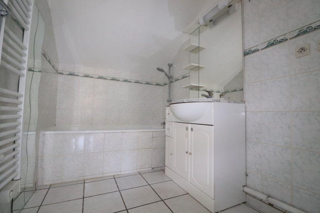 Appartement à louer 3 55m2 à Coulommiers vignette-5