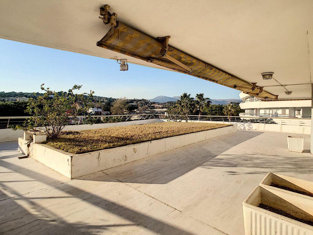 Appartement à vendre 4 109.66m2 à Villeneuve-Loubet vignette-10