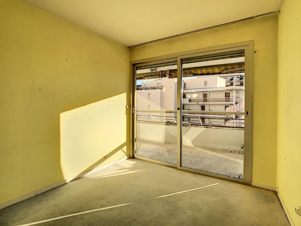 Appartement à vendre 4 109.66m2 à Villeneuve-Loubet vignette-14
