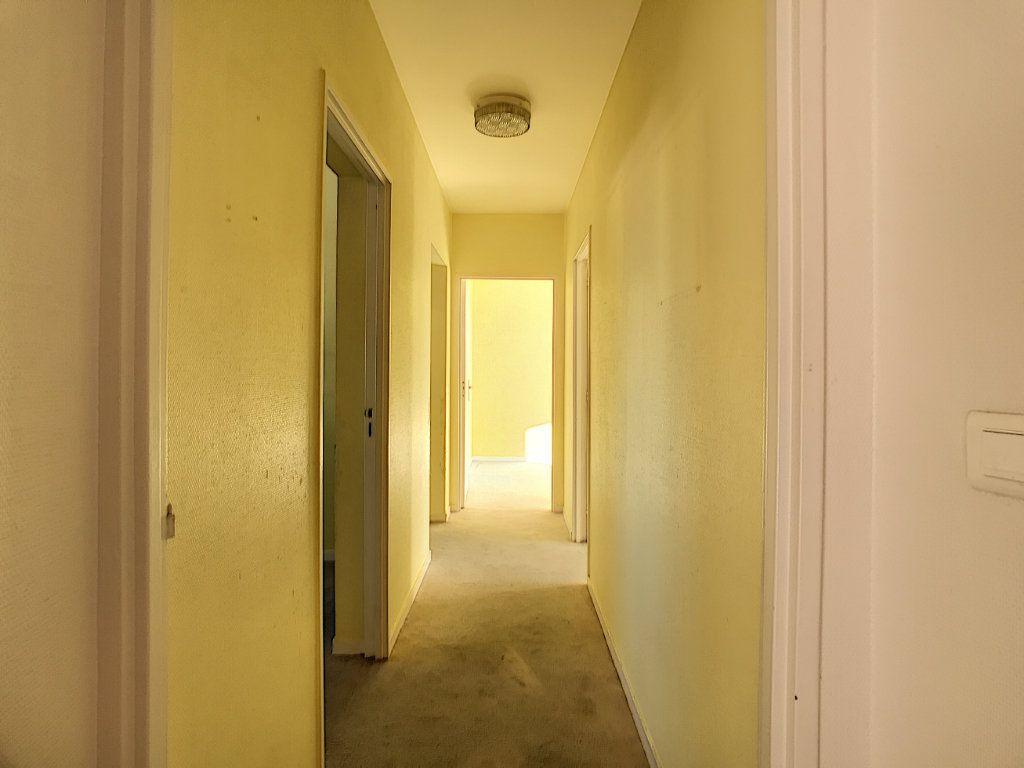 Appartement à vendre 4 109.66m2 à Villeneuve-Loubet vignette-17