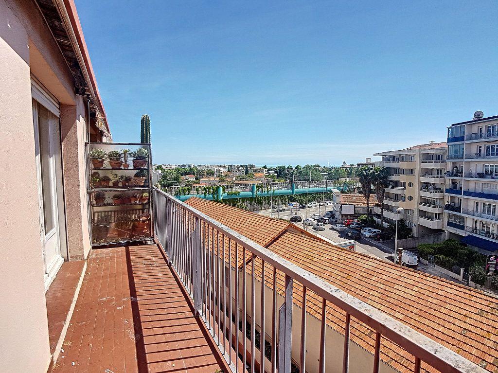 Appartement à vendre 4 118m2 à Cagnes-sur-Mer vignette-3