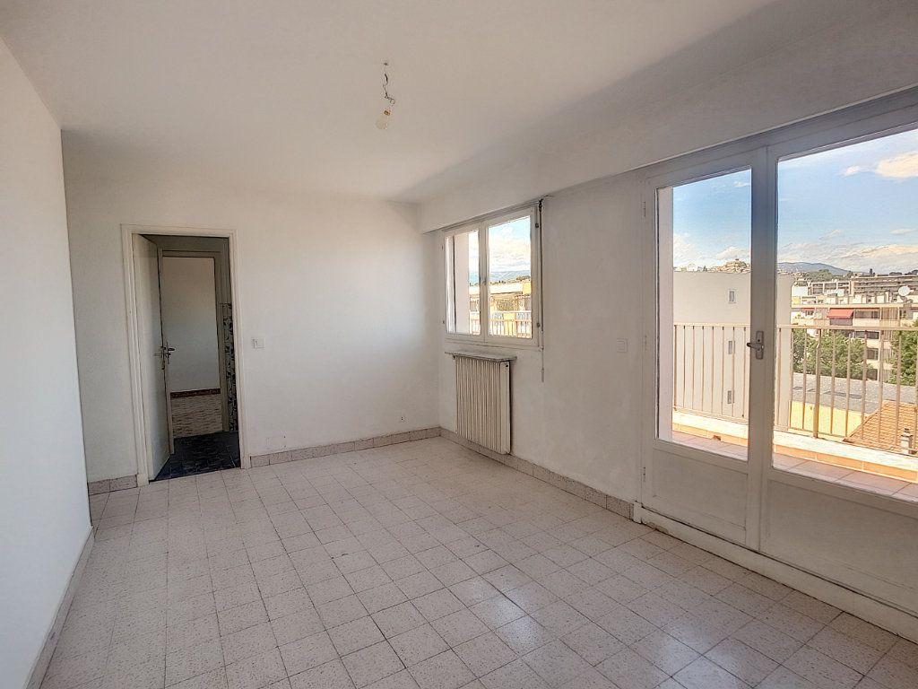 Appartement à vendre 4 118m2 à Cagnes-sur-Mer vignette-4