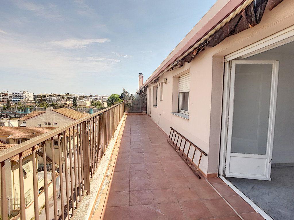 Appartement à vendre 4 118m2 à Cagnes-sur-Mer vignette-5