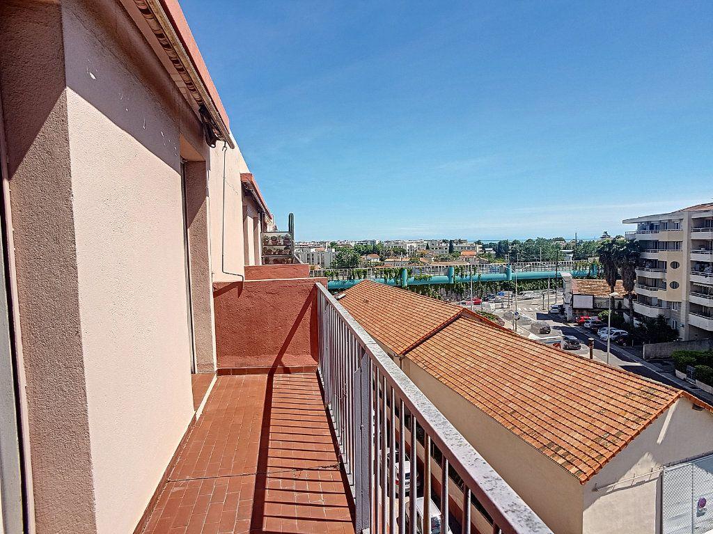 Appartement à vendre 4 118m2 à Cagnes-sur-Mer vignette-8