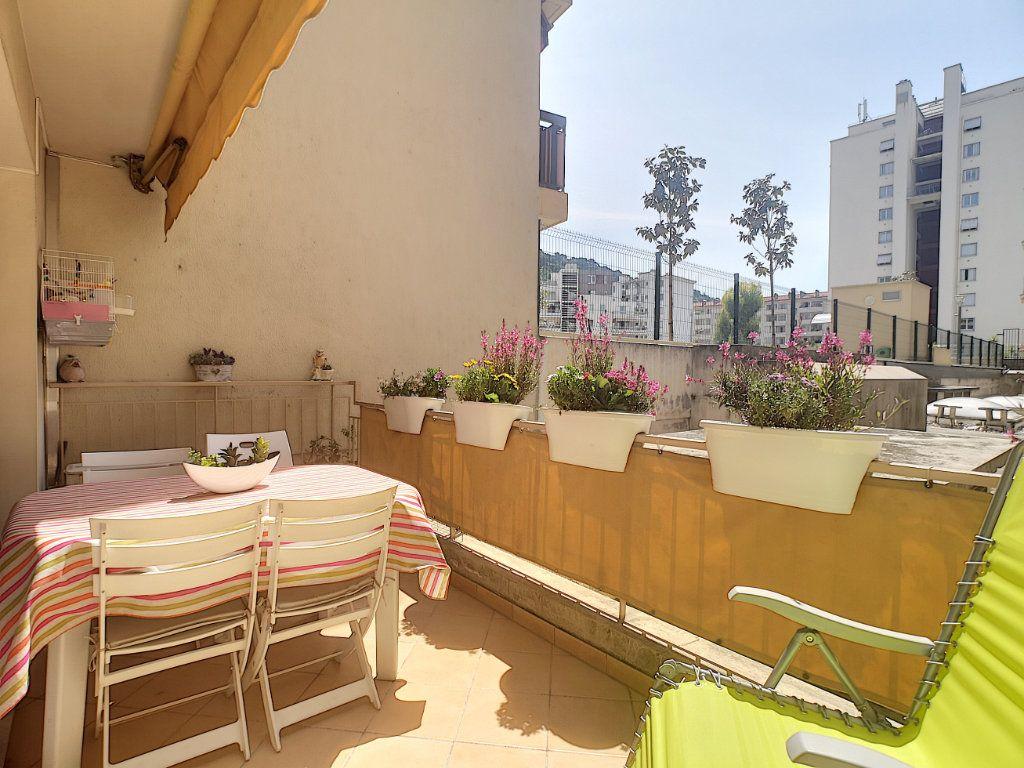 Appartement à vendre 3 61.62m2 à Nice vignette-1