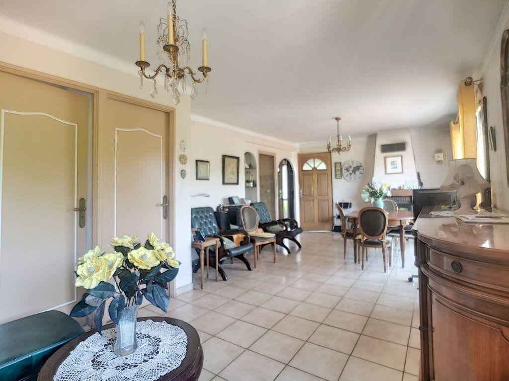 Maison à vendre 4 91.6m2 à Villeneuve-Loubet vignette-9