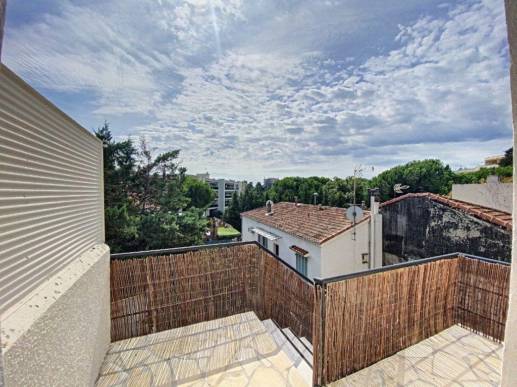 Appartement à vendre 4 122m2 à Cagnes-sur-Mer vignette-4