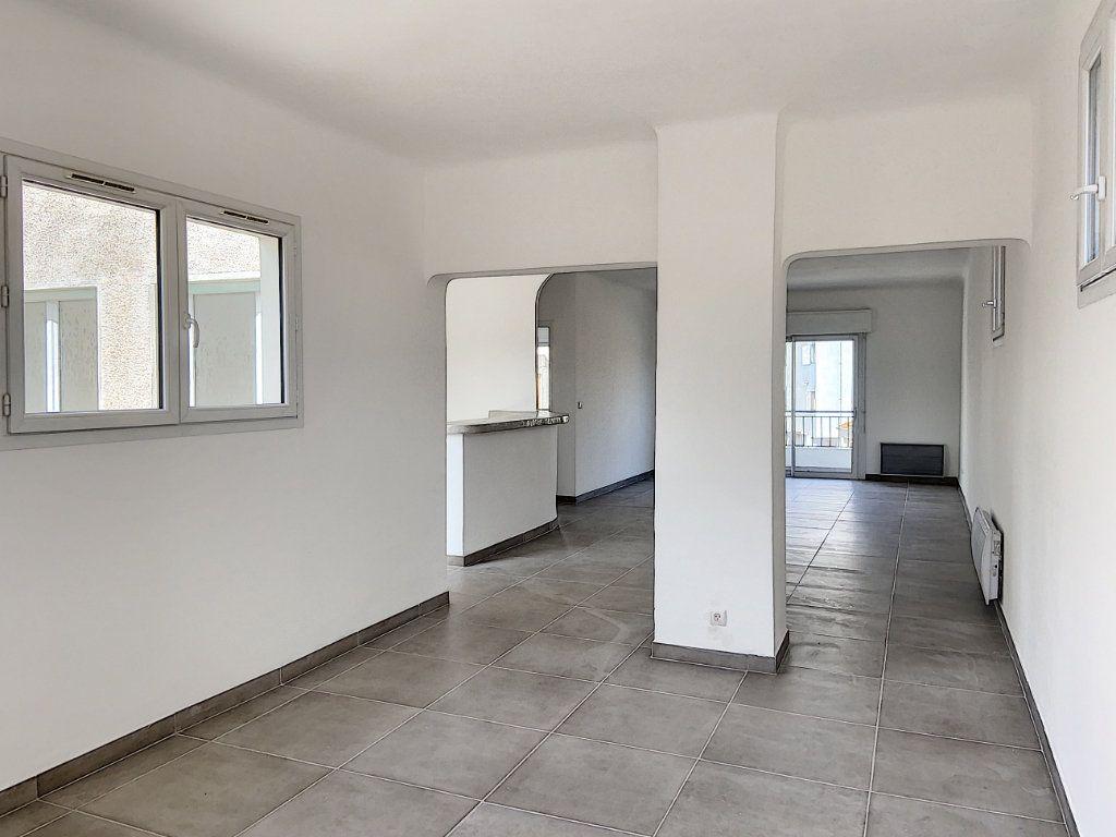 Appartement à vendre 4 122m2 à Cagnes-sur-Mer vignette-5