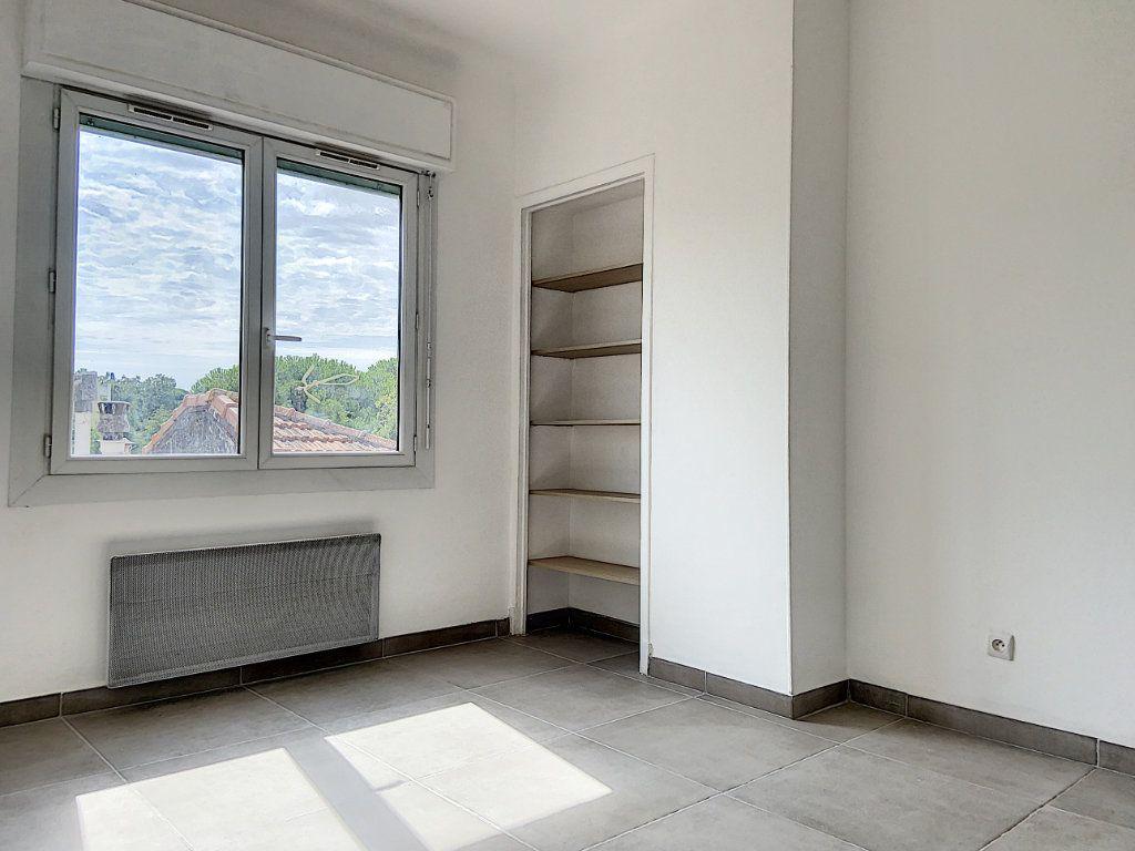 Appartement à vendre 4 122m2 à Cagnes-sur-Mer vignette-13