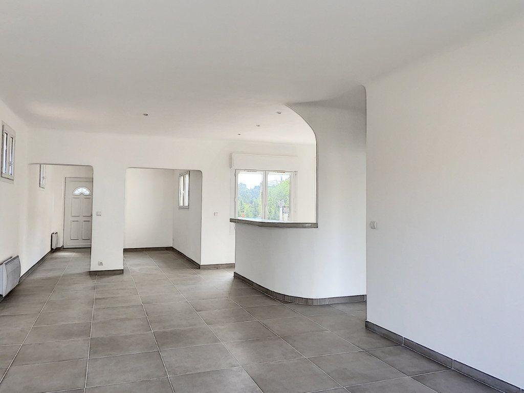 Appartement à vendre 4 122m2 à Cagnes-sur-Mer vignette-15