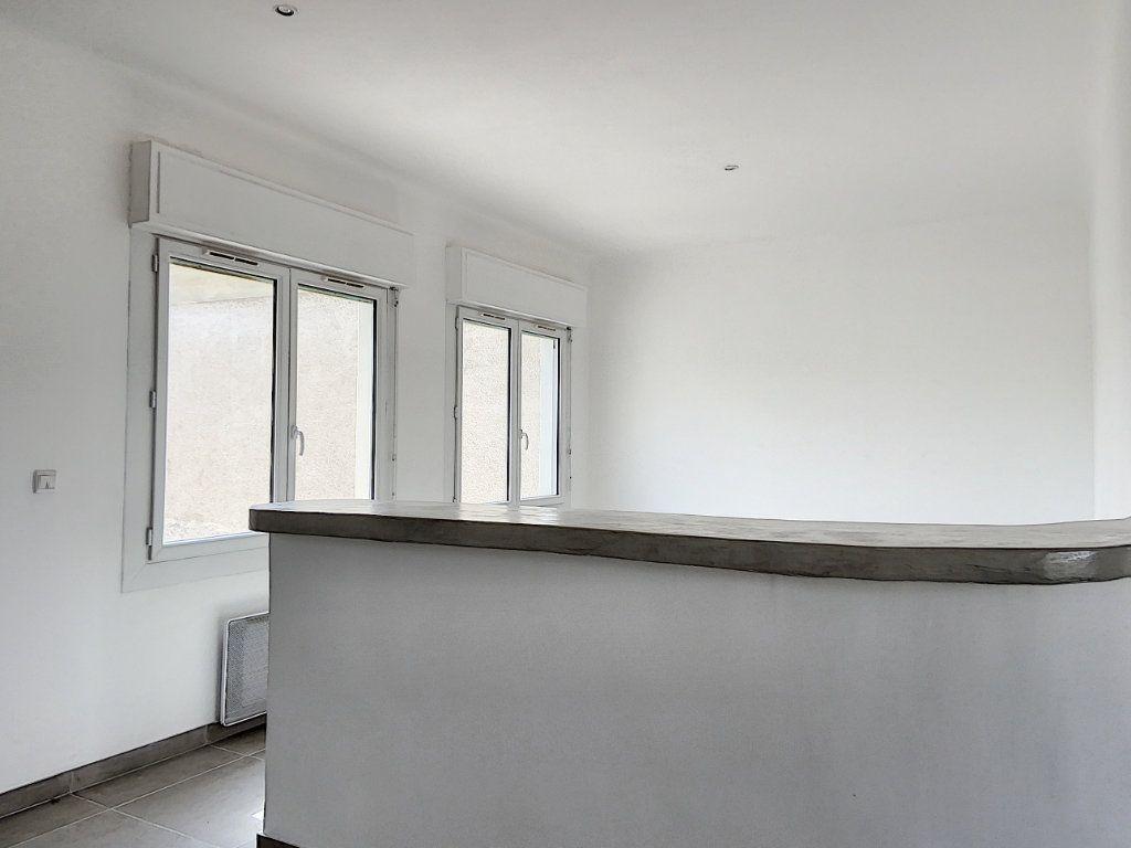 Appartement à vendre 4 122m2 à Cagnes-sur-Mer vignette-16
