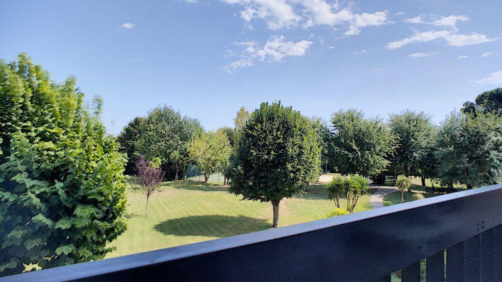 Appartement à vendre 4 90m2 à Villeneuve-Loubet vignette-1
