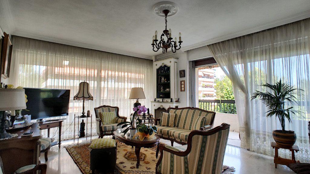 Appartement à vendre 4 90m2 à Villeneuve-Loubet vignette-2