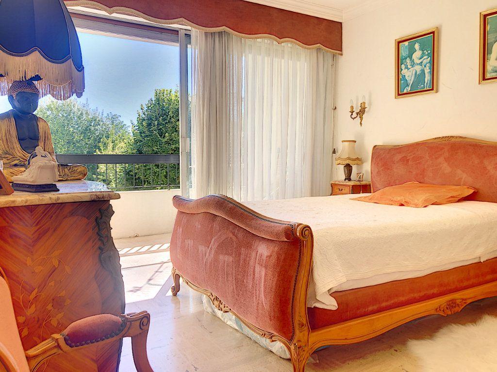 Appartement à vendre 4 90m2 à Villeneuve-Loubet vignette-4