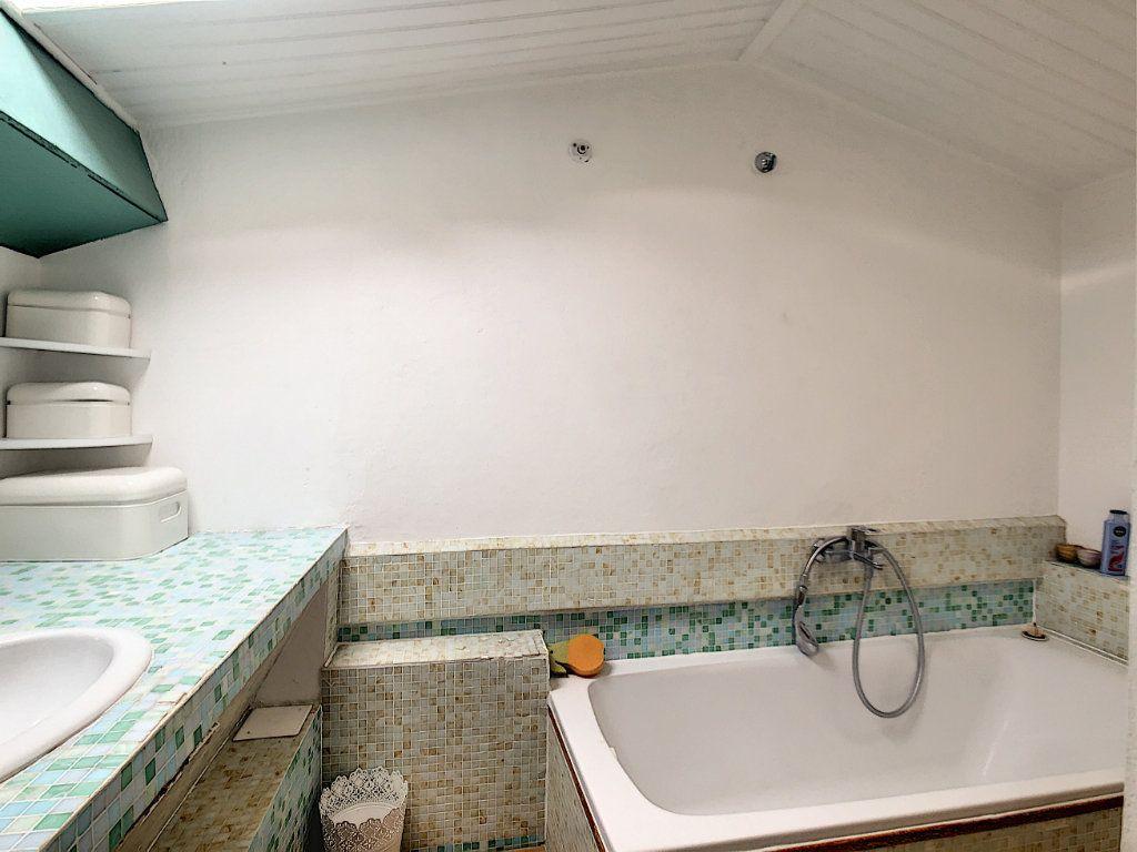 Appartement à vendre 3 38.1m2 à Antibes vignette-6