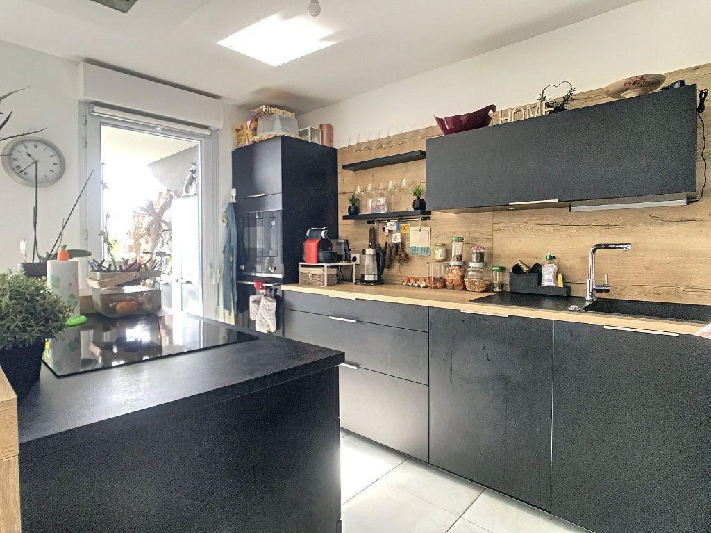 Appartement à vendre 3 62m2 à Villeneuve-Loubet vignette-2