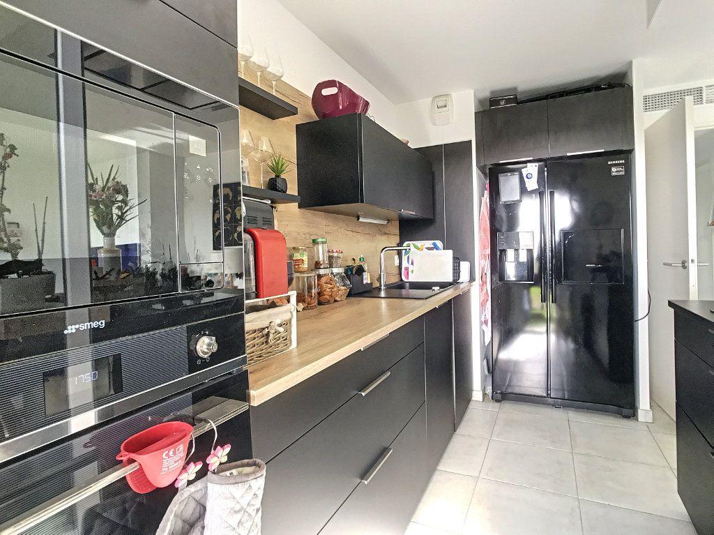 Appartement à vendre 3 62m2 à Villeneuve-Loubet vignette-4