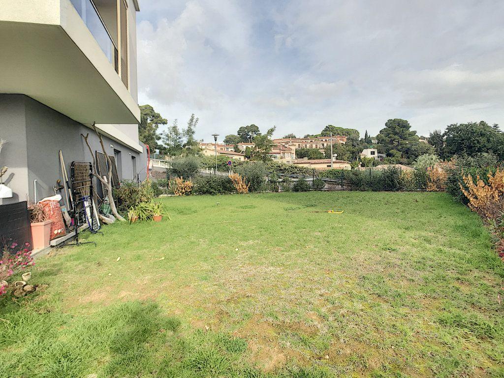 Appartement à vendre 3 62m2 à Villeneuve-Loubet vignette-10