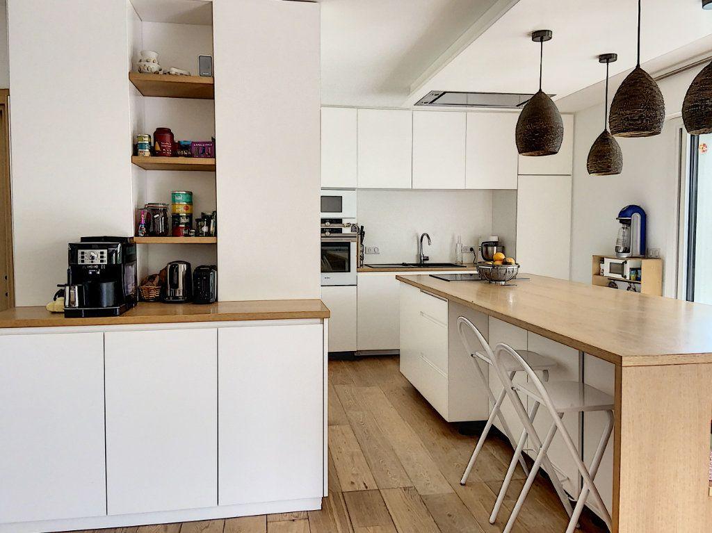 Appartement à vendre 4 120m2 à Villeneuve-Loubet vignette-3