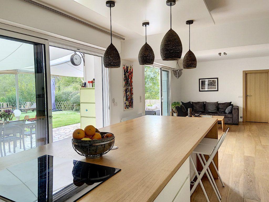 Appartement à vendre 4 120m2 à Villeneuve-Loubet vignette-4