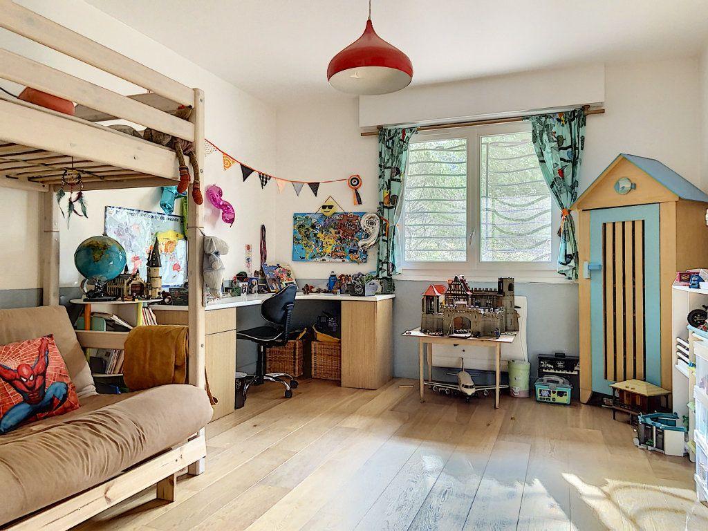 Appartement à vendre 4 120m2 à Villeneuve-Loubet vignette-6