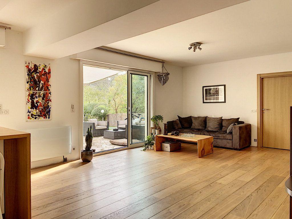 Appartement à vendre 4 120m2 à Villeneuve-Loubet vignette-8