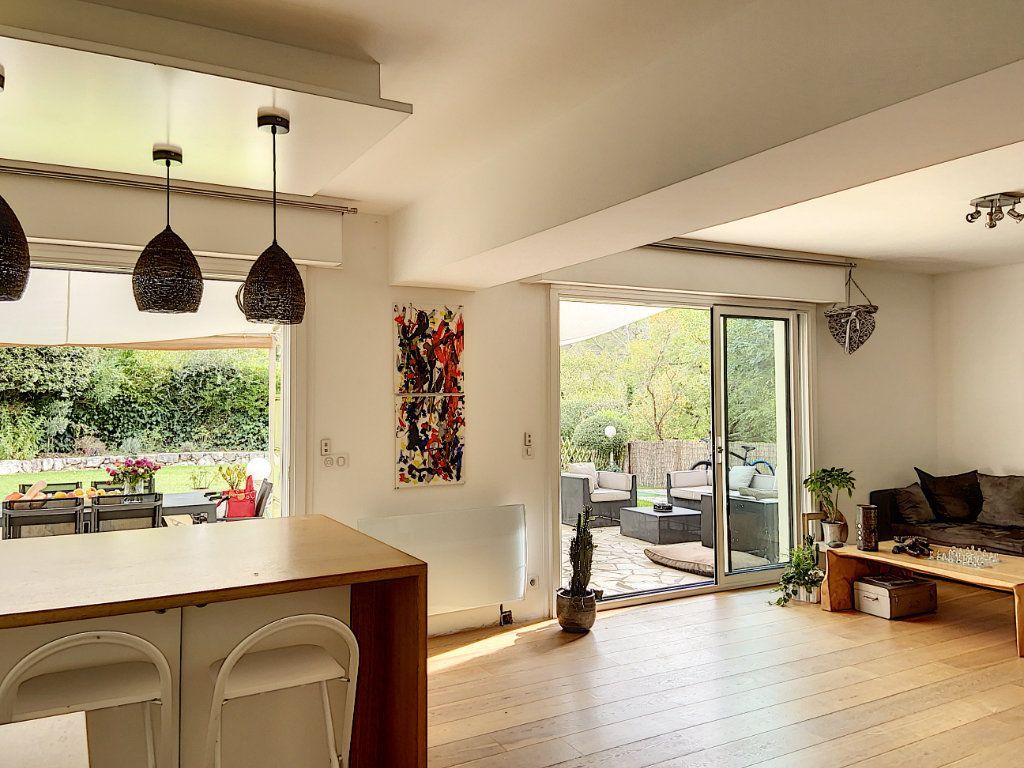 Appartement à vendre 4 120m2 à Villeneuve-Loubet vignette-9