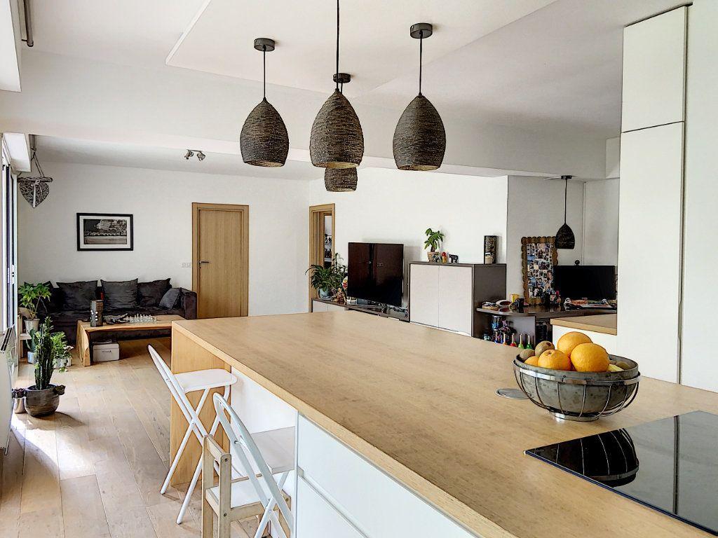 Appartement à vendre 4 120m2 à Villeneuve-Loubet vignette-12