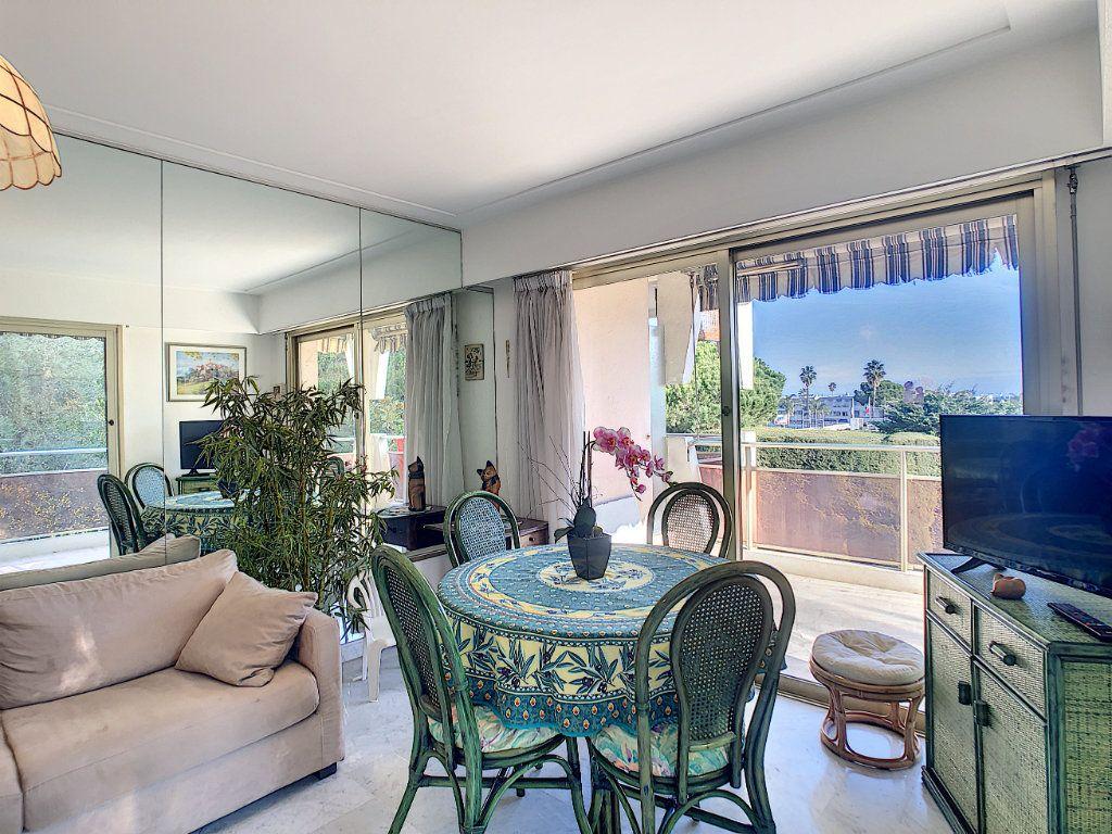 Appartement à vendre 2 46m2 à Villeneuve-Loubet vignette-9