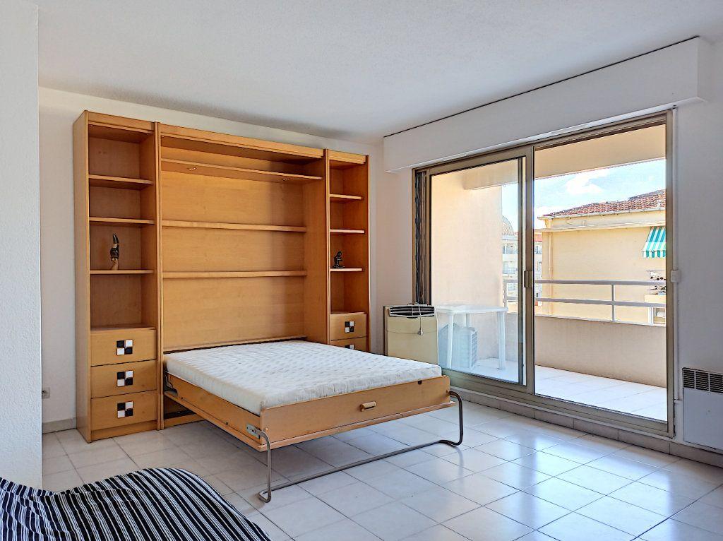 Appartement à vendre 1 33m2 à Cagnes-sur-Mer vignette-2