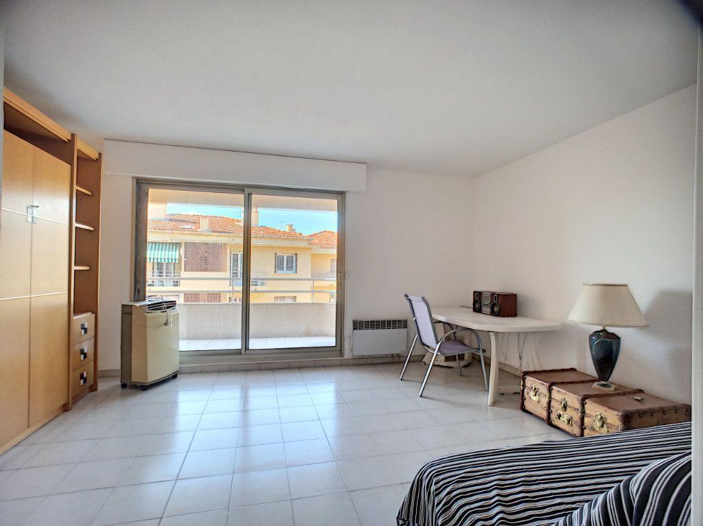 Appartement à vendre 1 33m2 à Cagnes-sur-Mer vignette-3
