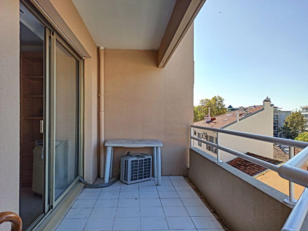 Appartement à vendre 1 33m2 à Cagnes-sur-Mer vignette-10