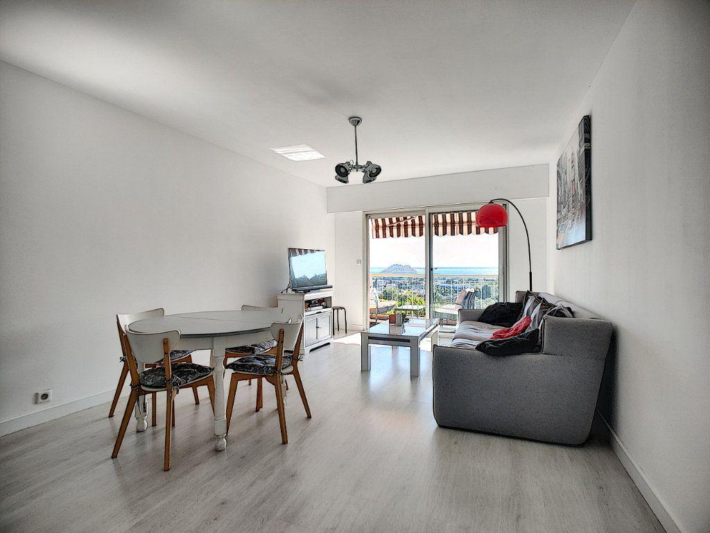Appartement à vendre 3 70m2 à Villeneuve-Loubet vignette-2