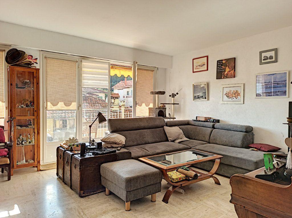 Appartement à vendre 3 83.07m2 à Saint-Laurent-du-Var vignette-1
