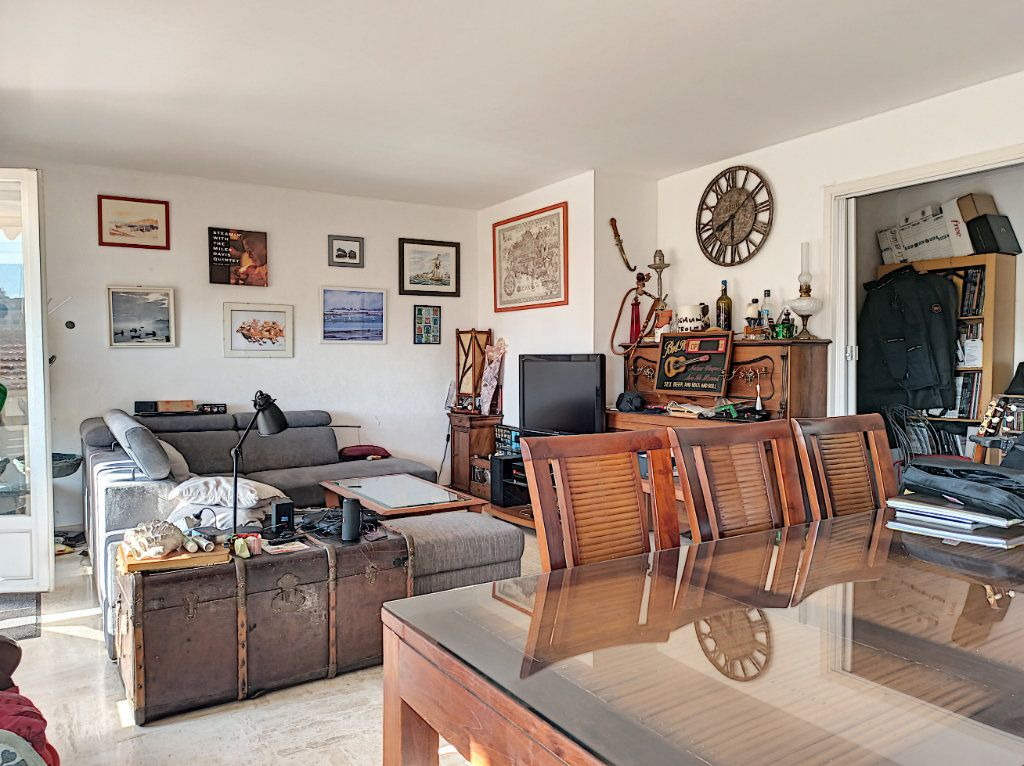 Appartement à vendre 3 83.07m2 à Saint-Laurent-du-Var vignette-2
