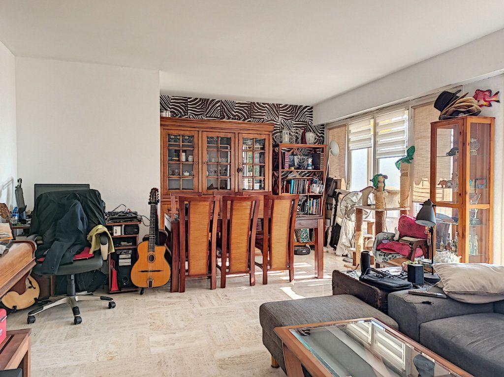 Appartement à vendre 3 83.07m2 à Saint-Laurent-du-Var vignette-3