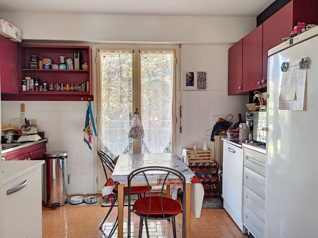 Appartement à vendre 3 83.07m2 à Saint-Laurent-du-Var vignette-6