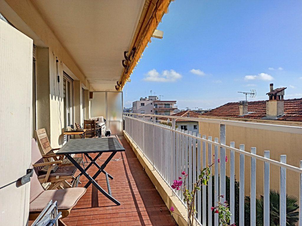 Appartement à vendre 3 83.07m2 à Saint-Laurent-du-Var vignette-7