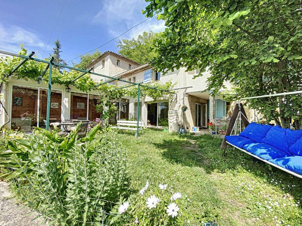 Maison à vendre 5 122m2 à Saint-Paul-de-Vence vignette-1