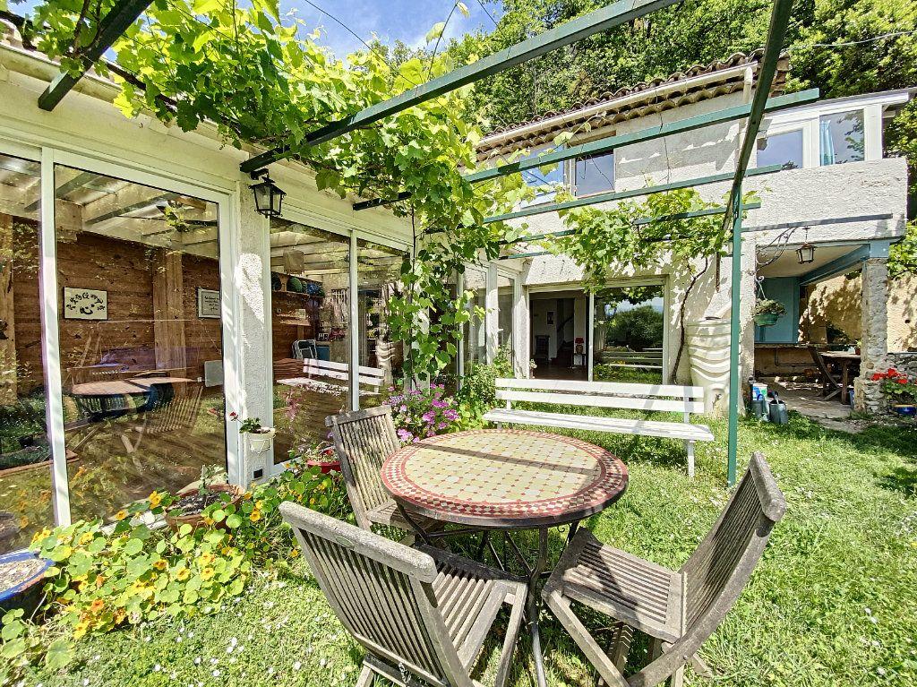 Maison à vendre 5 122m2 à Saint-Paul-de-Vence vignette-11