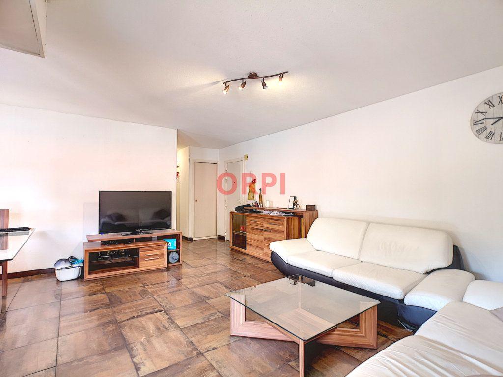 Appartement à vendre 3 64.48m2 à Le Cannet vignette-4