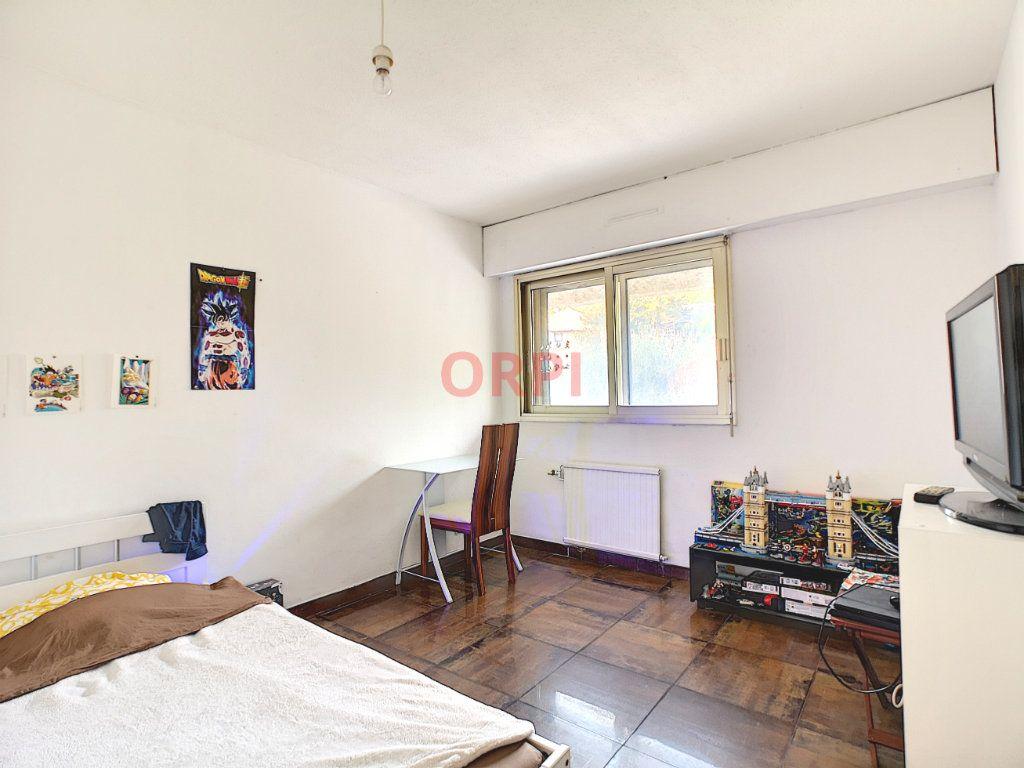 Appartement à vendre 3 64.48m2 à Le Cannet vignette-6