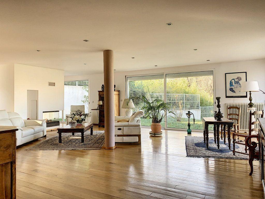 Maison à vendre 5 189.89m2 à Cagnes-sur-Mer vignette-3